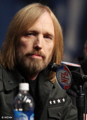 http://glennsimmons.files.wordpress.com/2010/06/tom_petty_001_050408.jpg